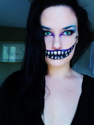 Cheshire Cat, Cat Contacts